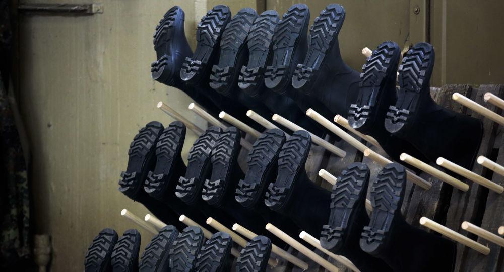 Buty wiszące do wyschnięcia
