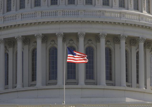 Zeese: sankcje unaoczniły amerykańską interwencję na Ukrainie