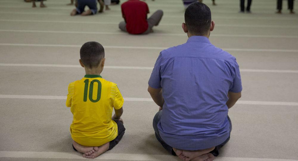 Uchodźcy z Syrii w meczecie w Sao Paulo