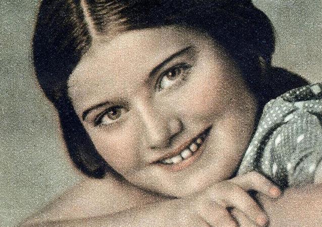 Zabita podczas Holokaustu Renia Spiegel
