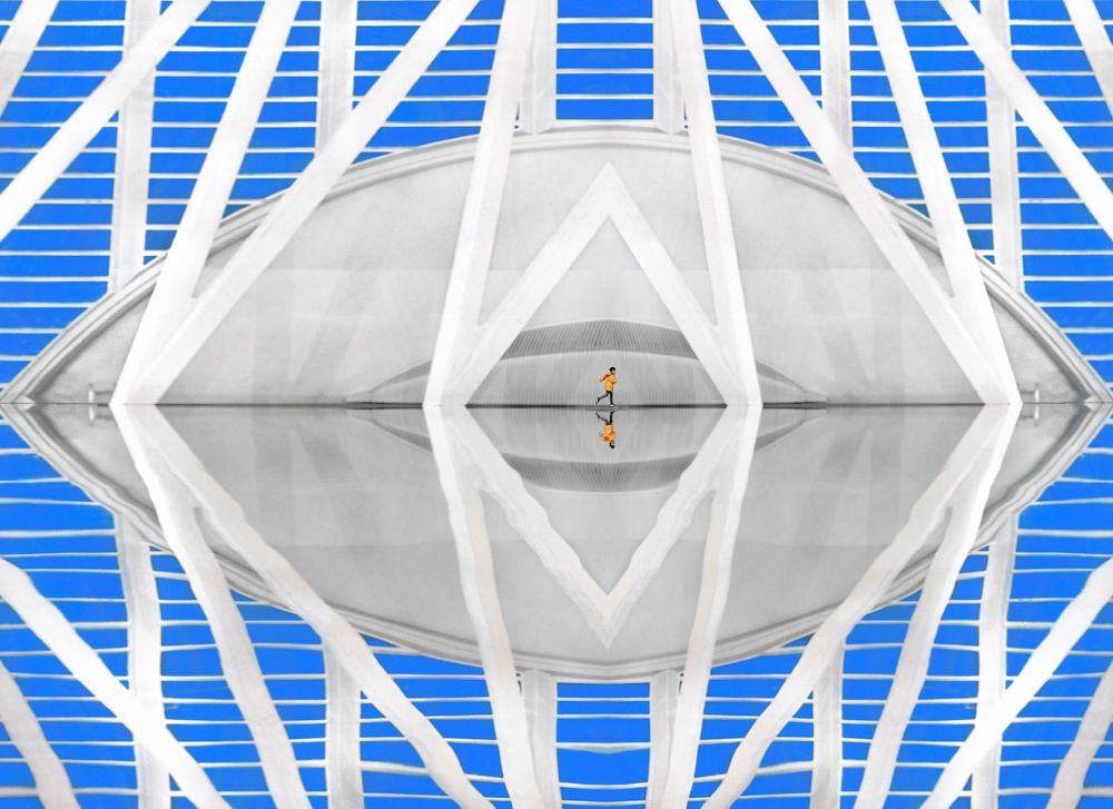 """Zdjęcie """"Blue eye"""" hiszpańskiego fotografa Pedra Luisa Ajuriaguerra Saiza na konkursie fotograficznym AGORA Awards 2019."""