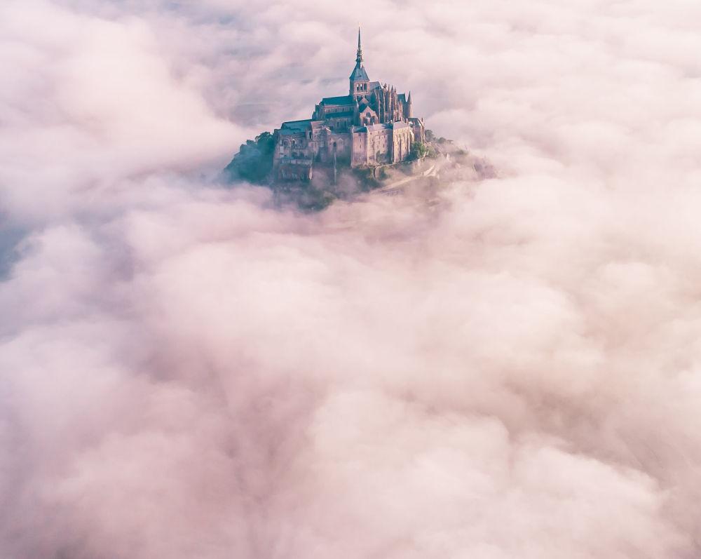 """Zdjęcie """"Reaching for Heaven"""" brytyjskiego fotografa Konrada Parucha na konkursie fotograficznym AGORA Awards 2019."""