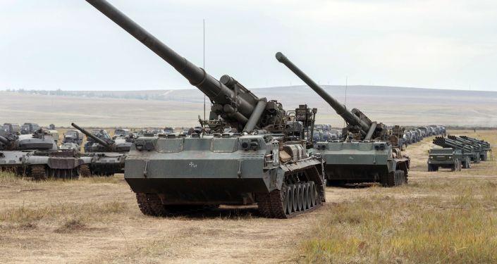 """Działa samobieżne 203 mm 2S7 """"Pion"""""""
