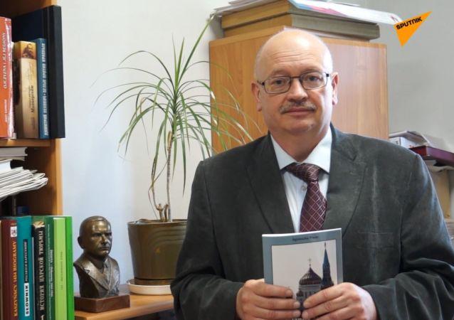 """Jan Engelgard, historyk, redaktor naczelny tygodnika """"Myśl Polska"""""""