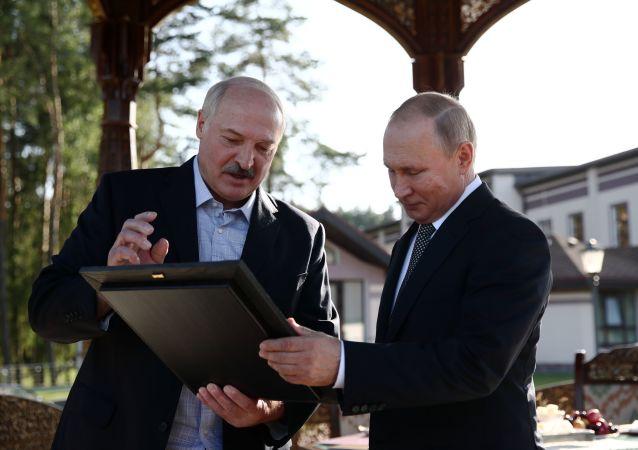 Władimir Putin i Aleksander Łukaszenko