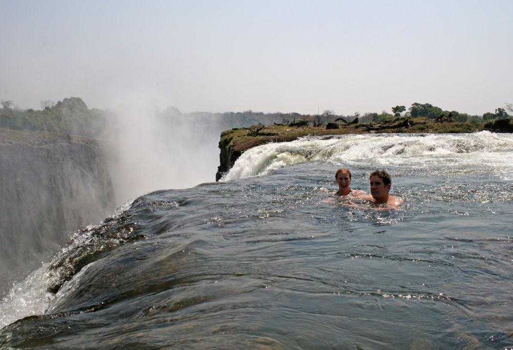 Diabelski basen (Devil's Pool) nad Wodospadami Wiktorii w Zambii