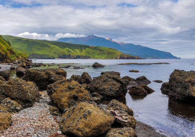Zatoka Abramowa, wyspa Urup (wyspa południowej grupy Wielkiego Grzbietu Wysp Kurylskich).