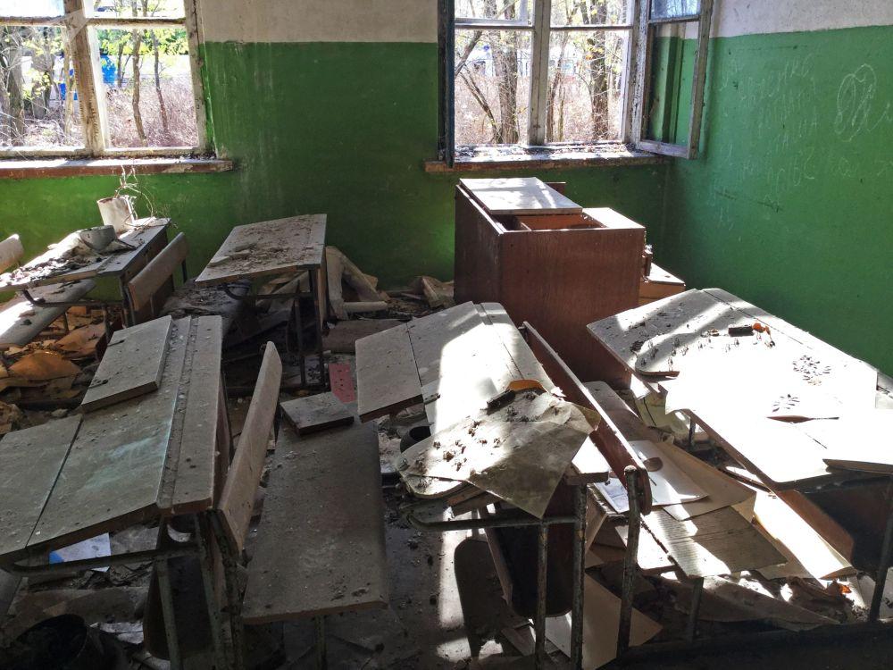 Opuszczona szkoła na wsi Borszczowka