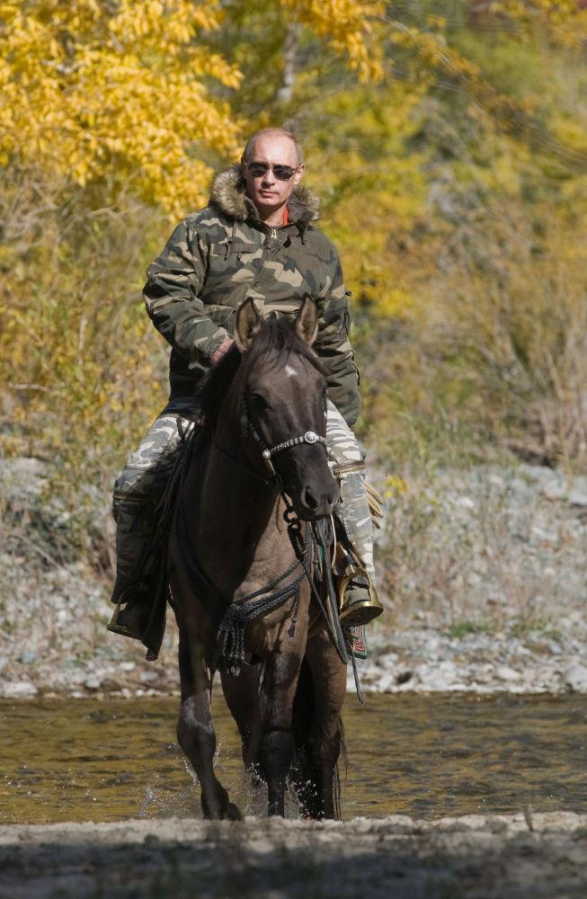 Władimir Putin podczas wyprawy do Zagłębia Ubsunur