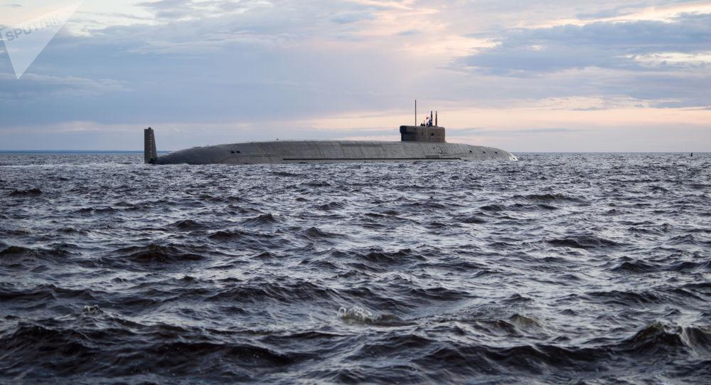 """Atomowy strategiczny podwodny krążownik rakietowy """"Książę Włodzimierz"""" na wodach Sewerodwińska"""
