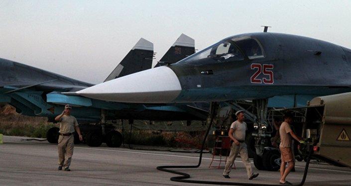 Rosyjskie siły powietrzne na lotnisku w Latakii