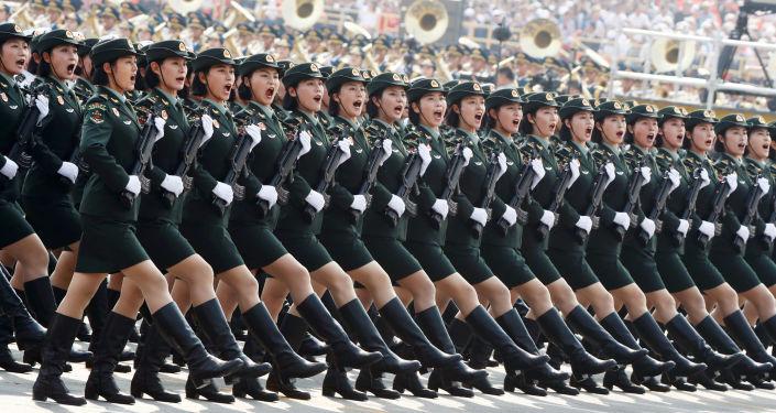 Żołnierze armii Chin w Pekinie