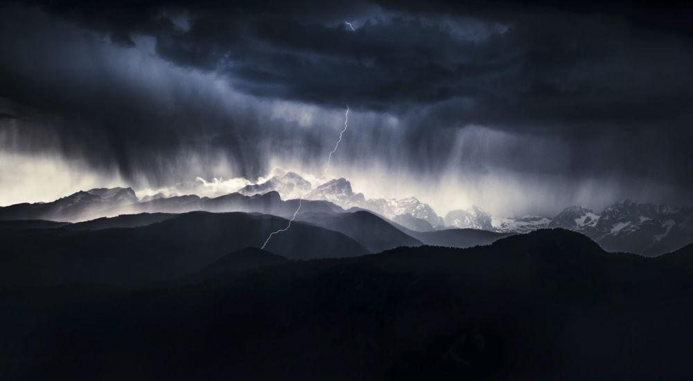 A stormy day. Fotograf: Ales Krivec (Słowenia). Nominacja Krajobraz