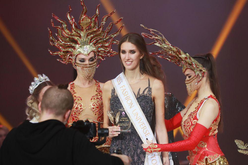 Anastasia Żuczkowa, która zajęła pierwsze miejsce w finale międzynarodowego konkursu Miss Fashion 2019 – GODDESS OF THE UNIVERSE w Moskwie