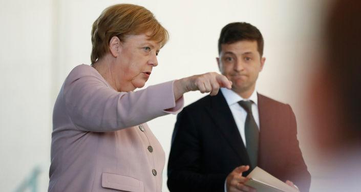 Angela Merkel i Wołodymyr Zełenski