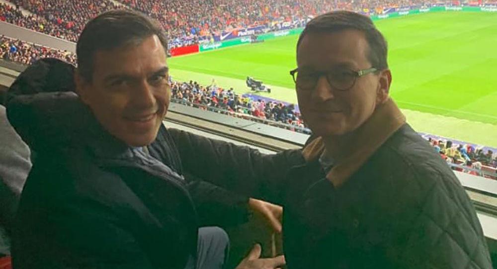 Mateusz Morawiecki i Pedro Sanchez na meczu, wizyta w Madrycie