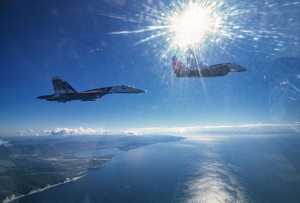 MiG-29 i Su-27 nad Morzem Czarnym