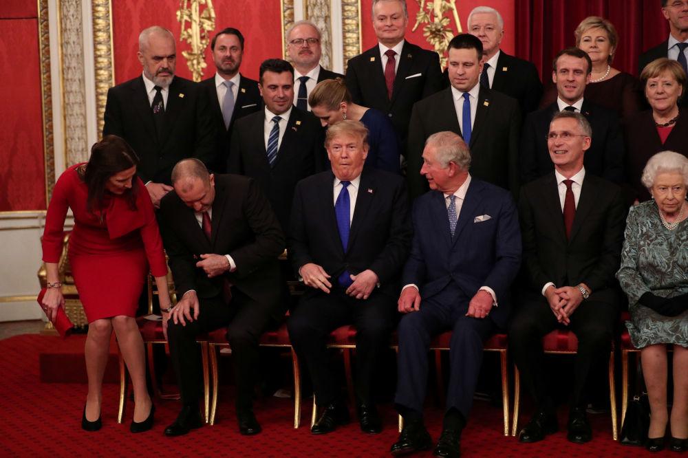 Zdjęcie grupowe liderów NATO w Londynie