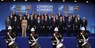 Zdjęcie grupowe liderów NATO podczas jubileuszowego szczytu w Londynie
