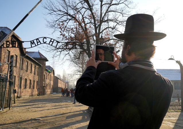 Angela Merkel po raz pierwszy odwiedziła obóz zagłady Auschwitz-Birkenau