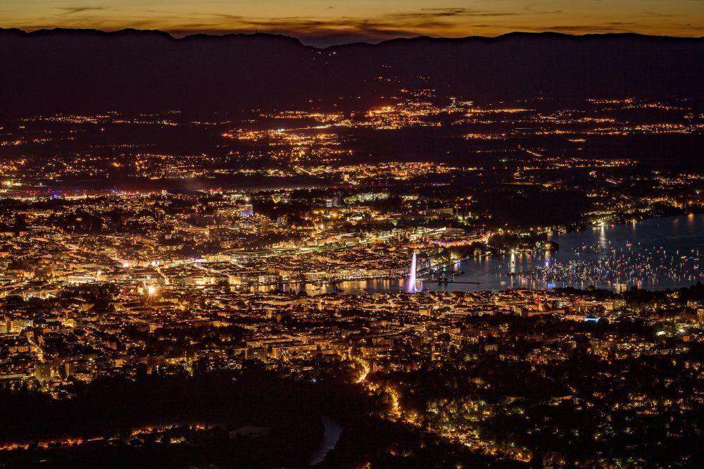 Widok na Genewę z francuskiej góry Saleve