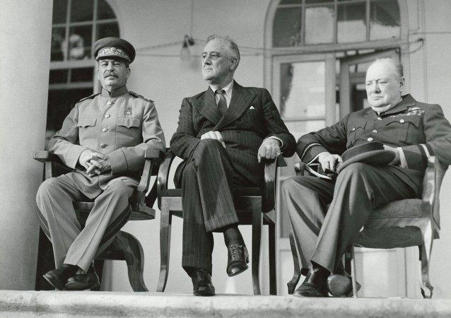 Winston Churchill, Franklin D. Roosevelt i Józef Stalin w Teheranie