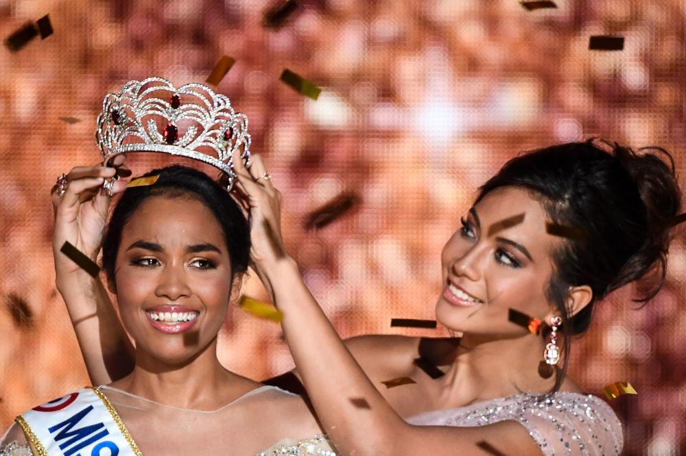 Zwyciężczyni konkursu piękności Miss Francji na rok 2020 Clemence Botino