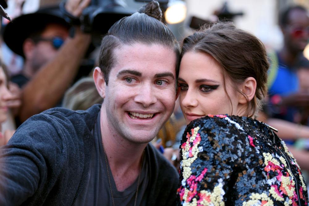 Kristen Stewart z fanem
