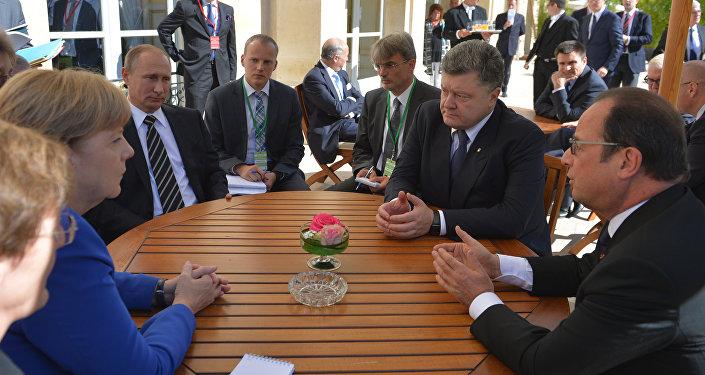 Czwórka normandzka: Angela Merkel, Władimir Putin, Piotr Poroshenko, Francois Hollande, Paryż, 2 października 2015