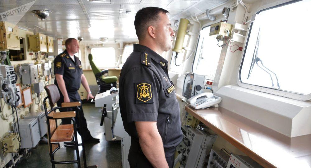 Oficerowie na stanowiskach w okręcie Admirał Essen Floty Czarnomorskiej