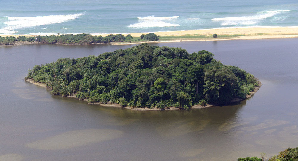 Mała wyspa na południowym krańcu Sumatry