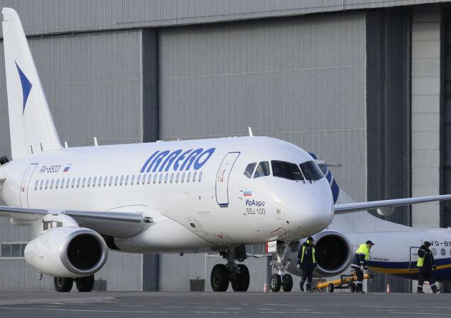 "Samolot ""Suchoj Superjet-100"" linii lotniczej ""IrAero"""