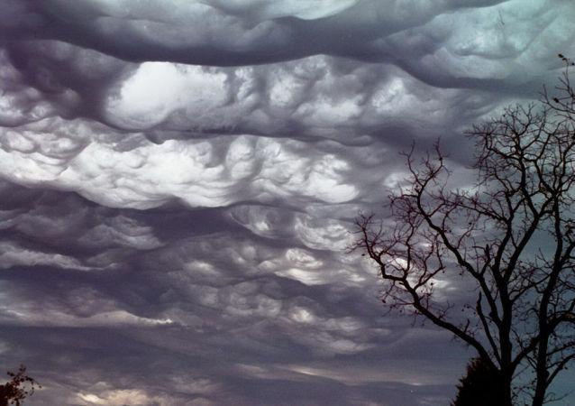 Chmury asperitas nad stanem Missouri, USA