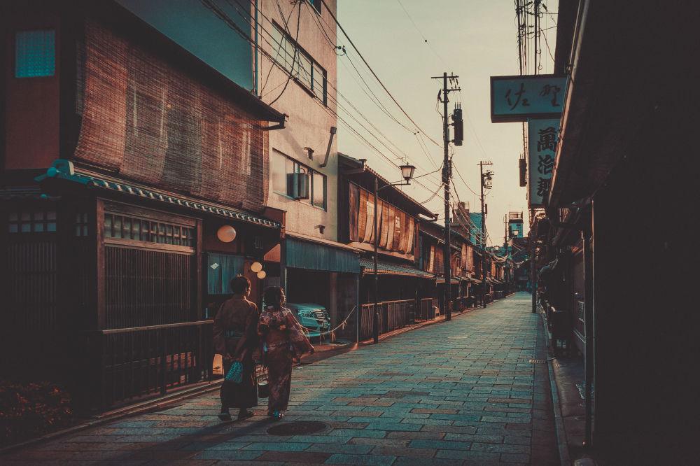 Dzielnica Kioto w Gion, gdzie pracują gejsze, Japonia