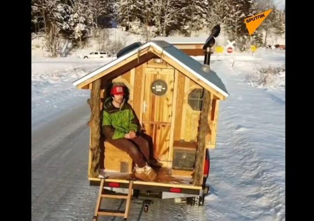 Po dzikiej Alasce z własnym domem na kółkach