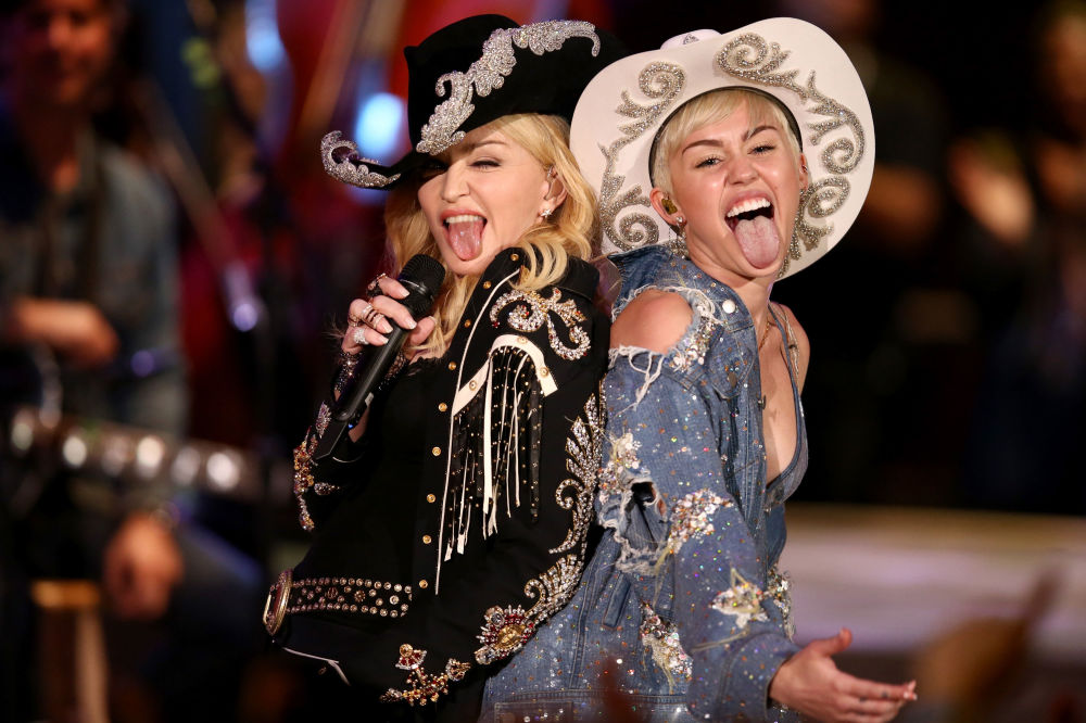 Duet Madonna i Miley Cyrus