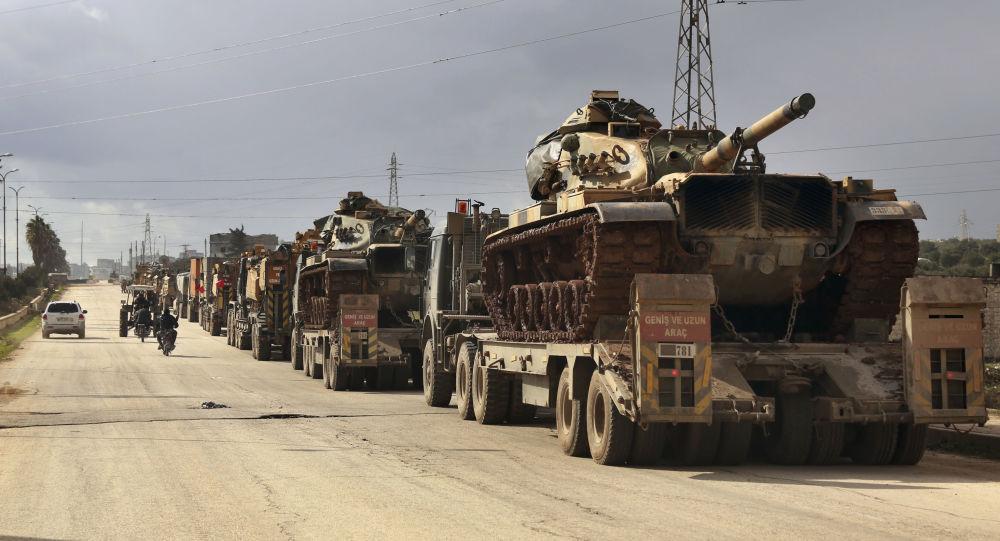 Turecki sprzęt wojskowy w prowincji Idlib, Syria