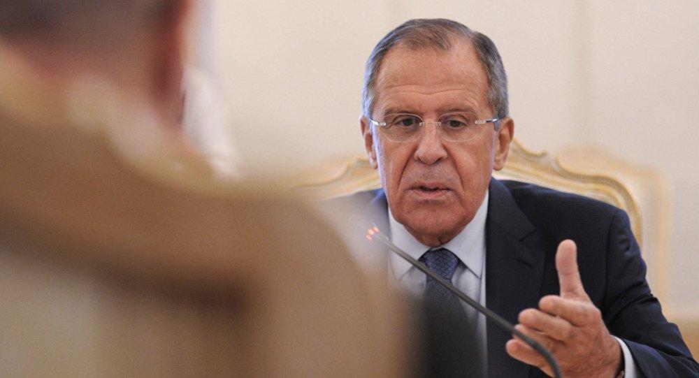 Minister spraw zagranicznych Rosji Siergiej Ławrow na spotkaniu z sekretarzem generalnym OBWE Lamberto Zannierem