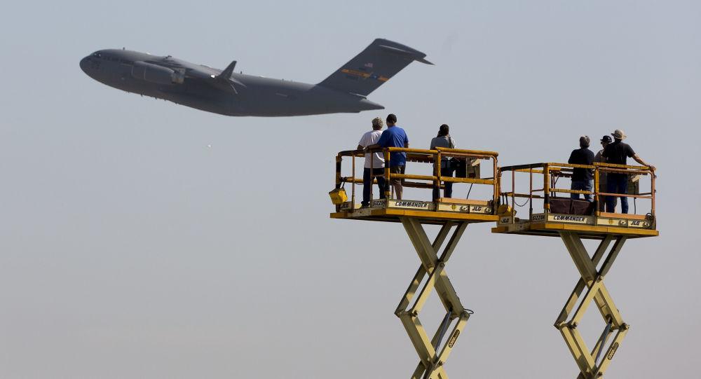 Amerykański samolot wojskowo-transportowy C-17 Globalmaster