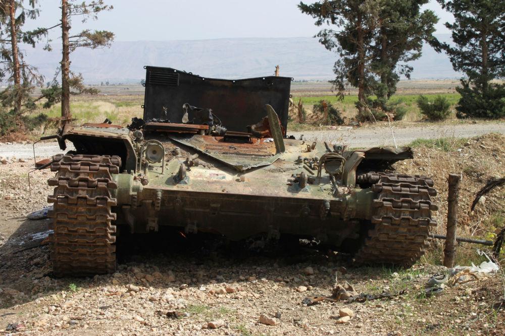 Technika wojskowa terrorystów w okolicach miejscowości El-Furu