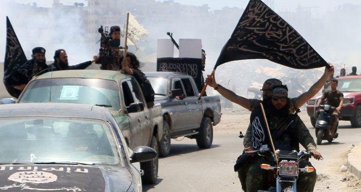 Bojownicy Al-Kaidy w syryjskim mieście Aleppo