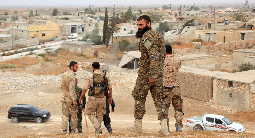 Syryjscy żołnierze w jednej z miejscowości pod Aleppo