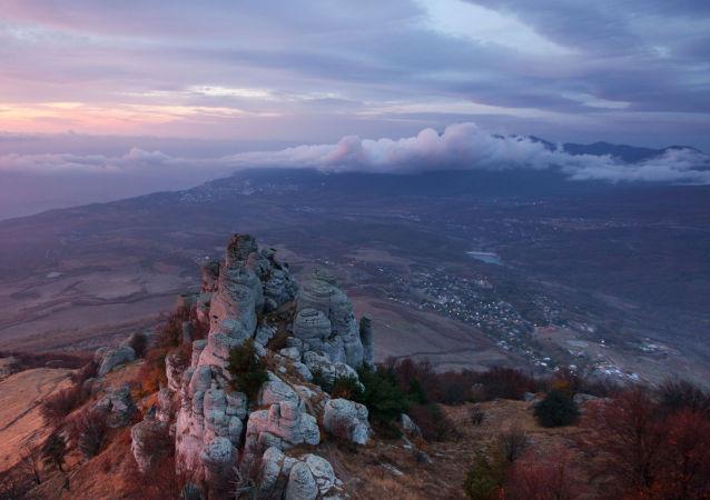 Widok na górę Demerdżi na Krymie