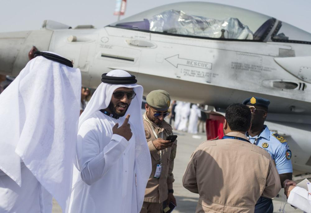 Goście Międzynarodowej Wystawy Lotniczo-Kosmicznej w Dubaju