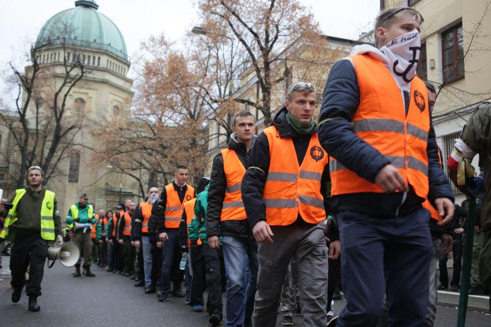 Uczestnicy Dnia Niepodległości w Warszawie, 11 listopada 2015 r.