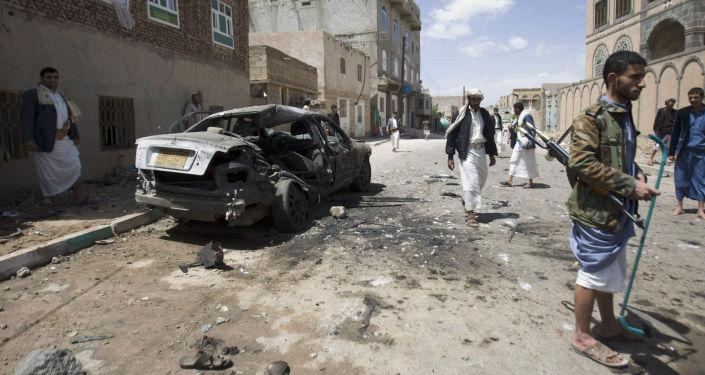 W zaatakowanych meczetach modlili się przede wszystkim szyici z plemienia Huti, którzy kontrolują Sanę i większą część Jemenu