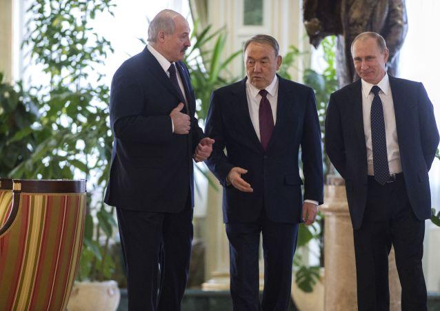 Prezydent Białorusi Aleksander Łukaszenko, prezydent Rosji Władimir Putin, prezydenta Kazachstanu Nursułtan Nazarbajew