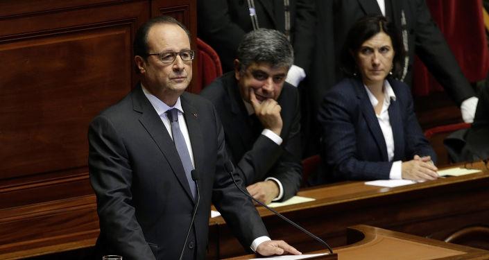 Orędzie Françoisa Hollande'a do parlamentu