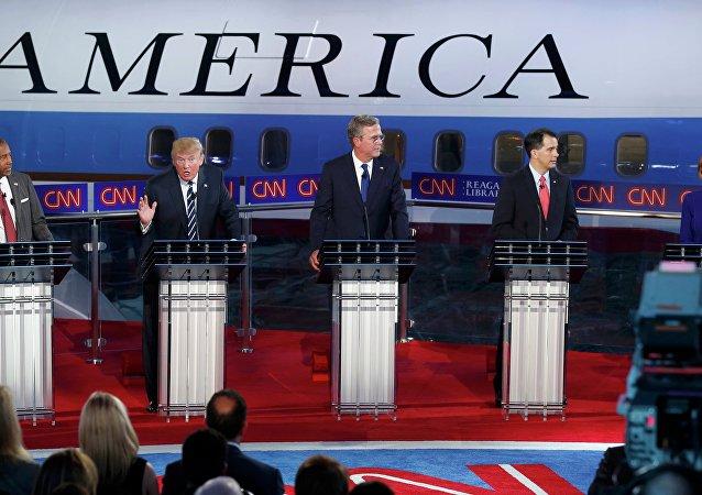 Kandydaci na prezydenta z ramienia Republikanów podczas drugiej debaty republikańskich kandydatów na prezydenta, Kalifornia, USA, 16 września 2015
