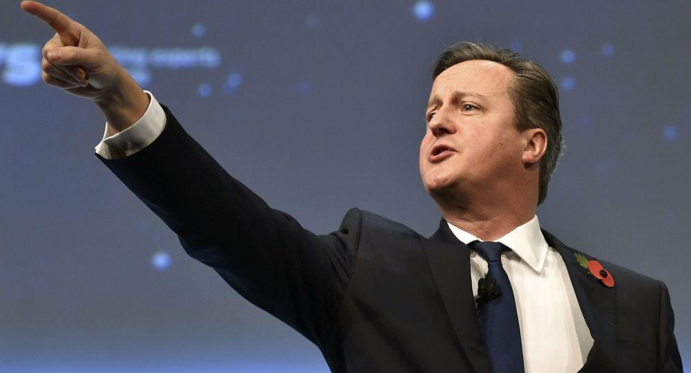 Premier Wielkiej Brytanii David Cameron na konferencji w Londynie